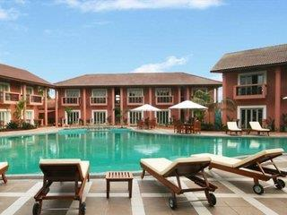 The Golden Crown & Spa Colva