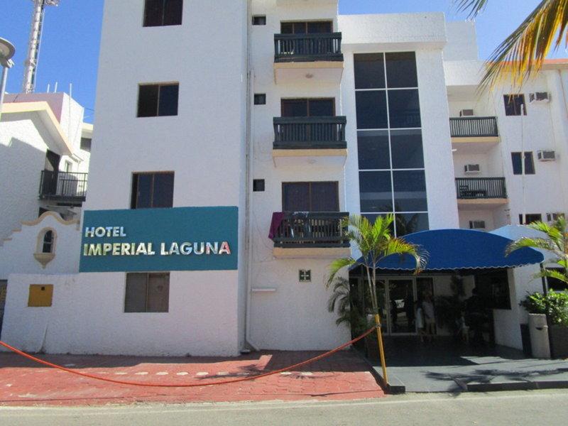 Beach House Imperial Laguna Cancún Hotel