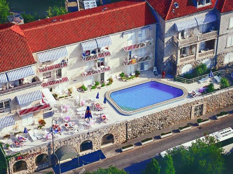 Hotel Komodor & Annex