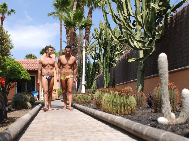 Los Almendros - Gay & Lesbian Only