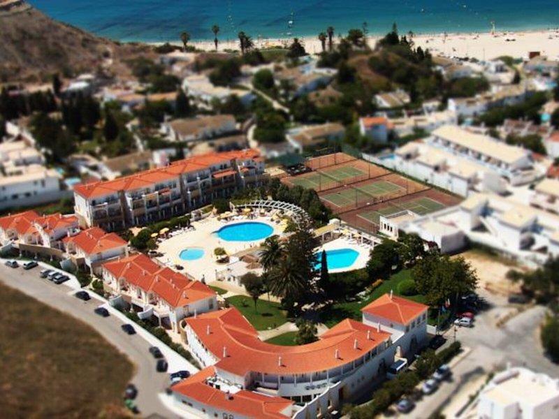 Luz Bay Club Beach & Sun Hotel