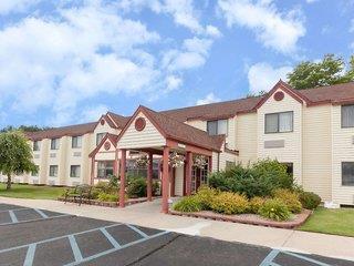 Baymont Inn & Suites Gaylord