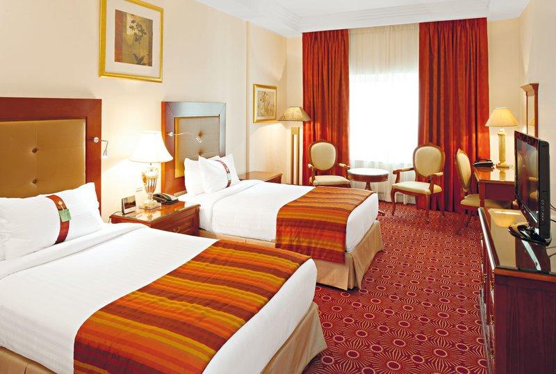Holiday Inn Bur Dubai - Embassy District 7