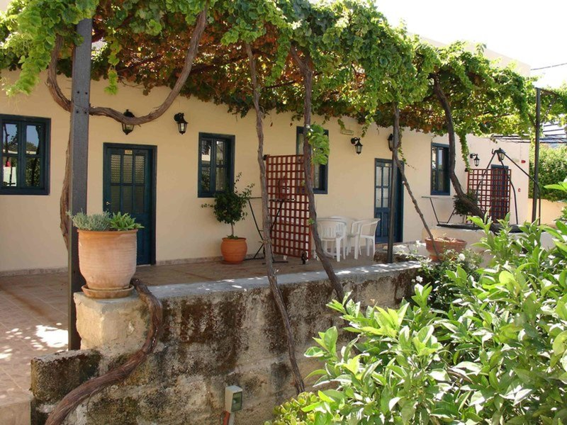 Summerland Hotel & Bungalows
