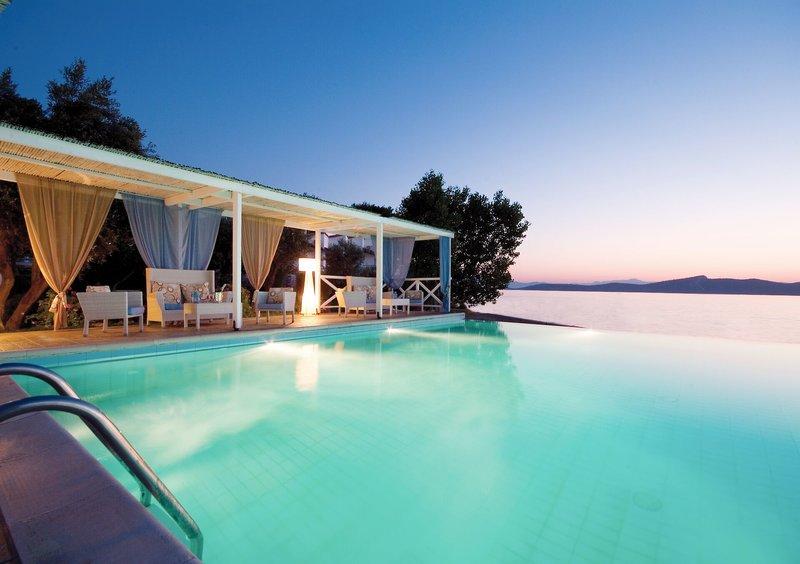 Venus Beach Bungalows Hotel