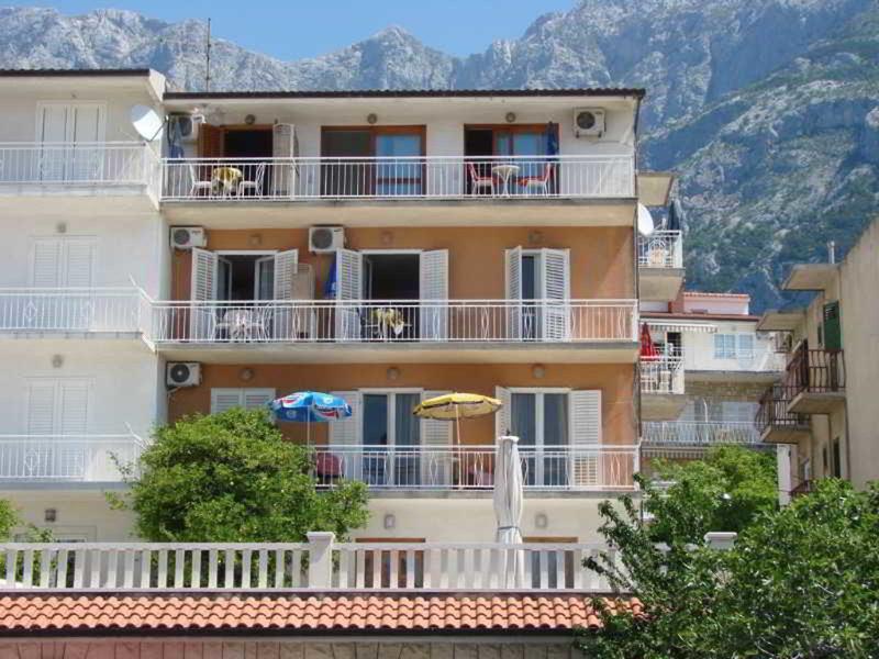 Renata Apartments