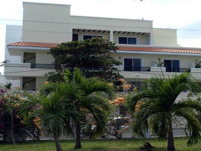El Campanario Hotel & Estudios