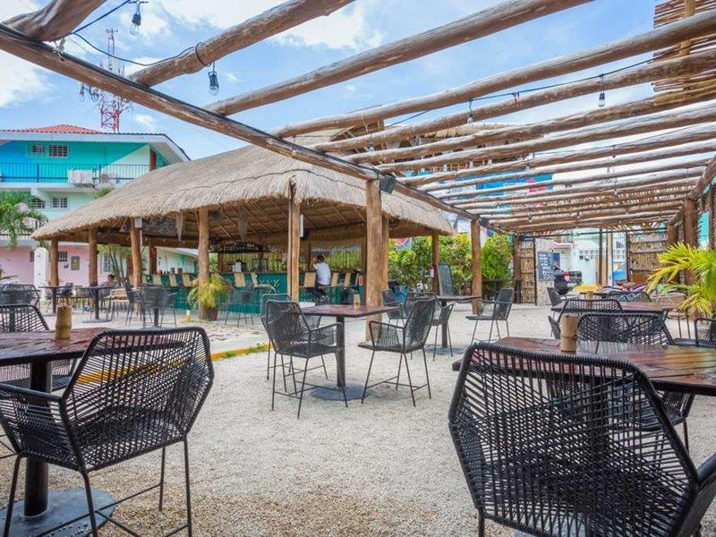 Selina Cancun Downtown 36