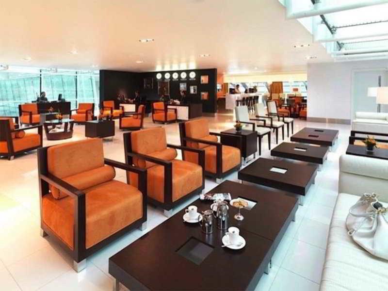 Dubai International Airport Terminal Hotel 9