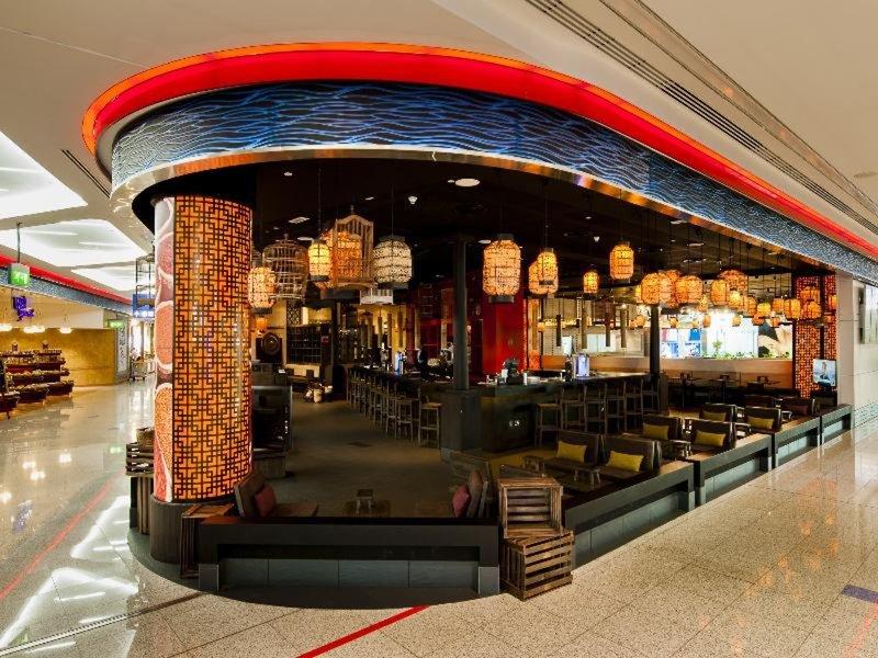 Dubai International Airport Terminal Hotel 21