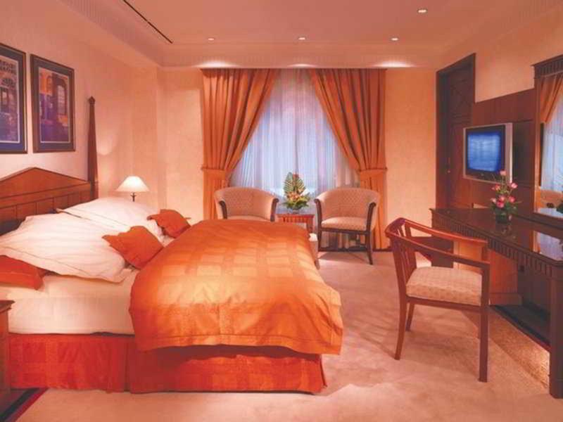 Dubai International Airport Terminal Hotel 32