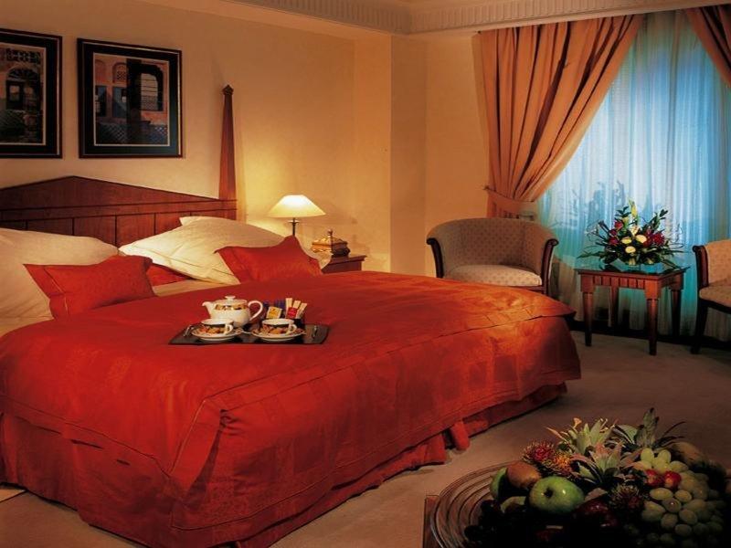Dubai International Airport Terminal Hotel 38