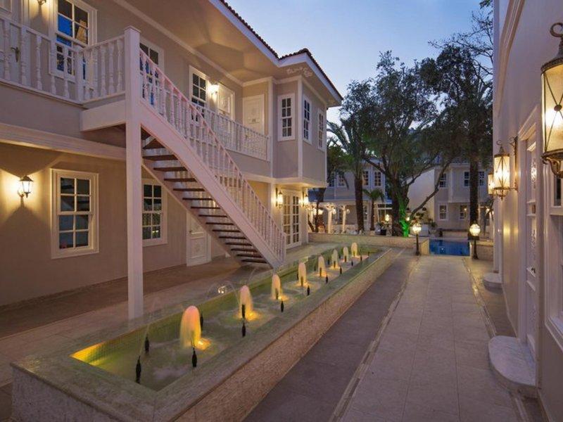 Elegance East