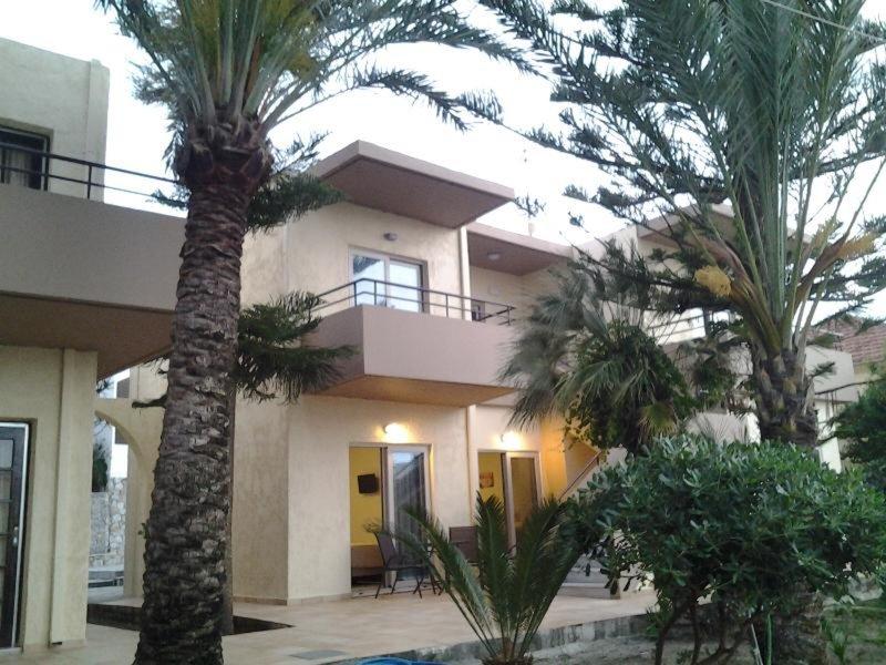 Lolas Hotel Platanias