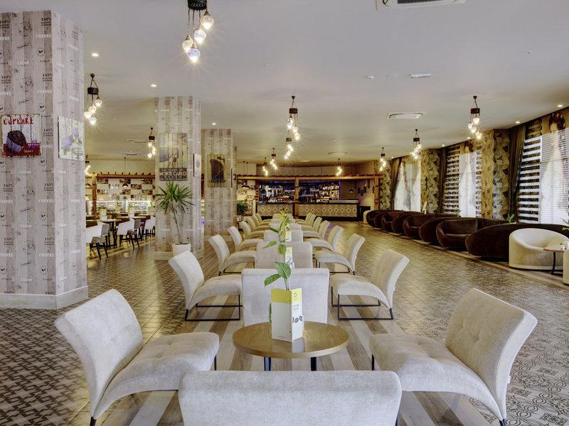 Jacaranda Hotel 31