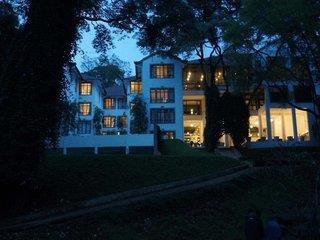 West Wood Hotel