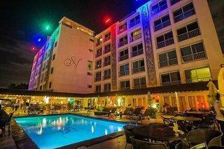Napolitano Hotel & Casino