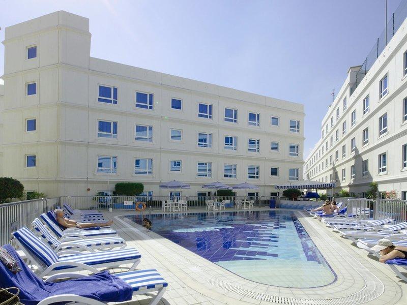 Al Bustan Center & Residence