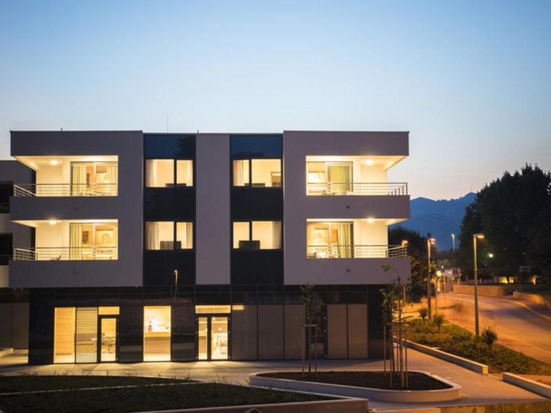 Apartments Villas Srebreno
