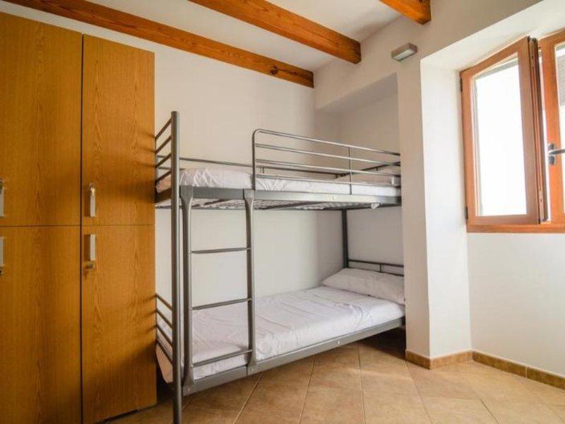 Embat Hostel - 8 Popup navigation