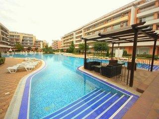 Grand Kamelia Aparthotel