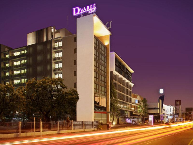 D Varee Diva Central