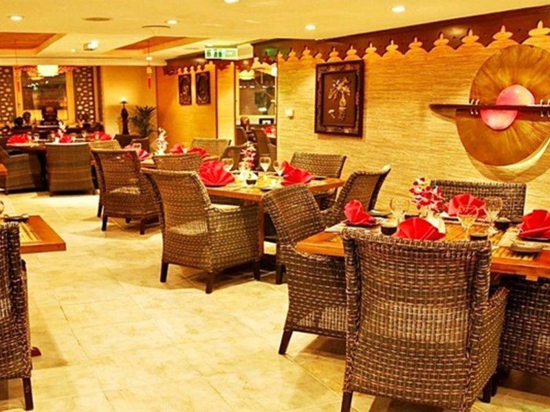 Arabian Courtyard Hotel & Spa 4