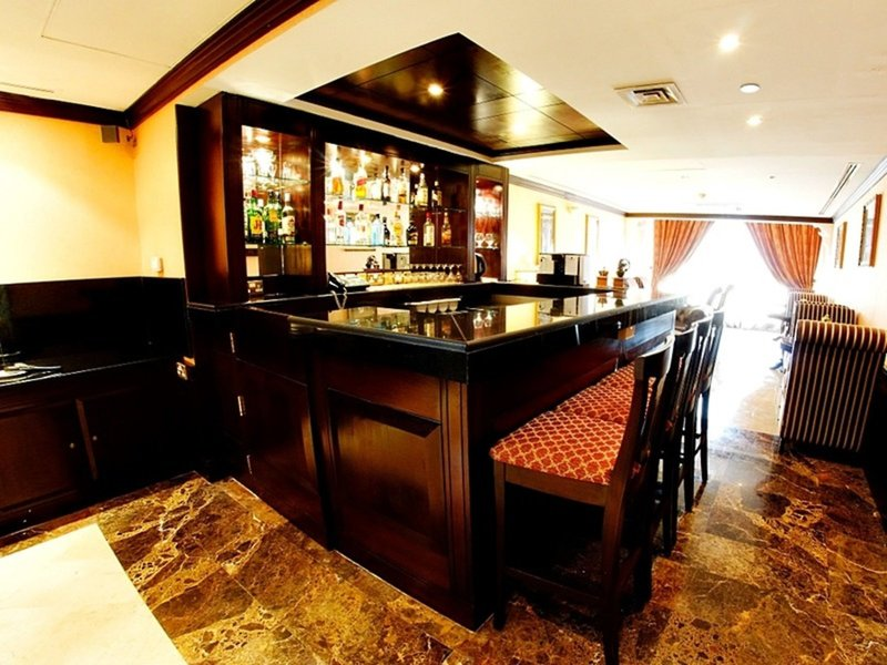 Arabian Courtyard Hotel & Spa 7
