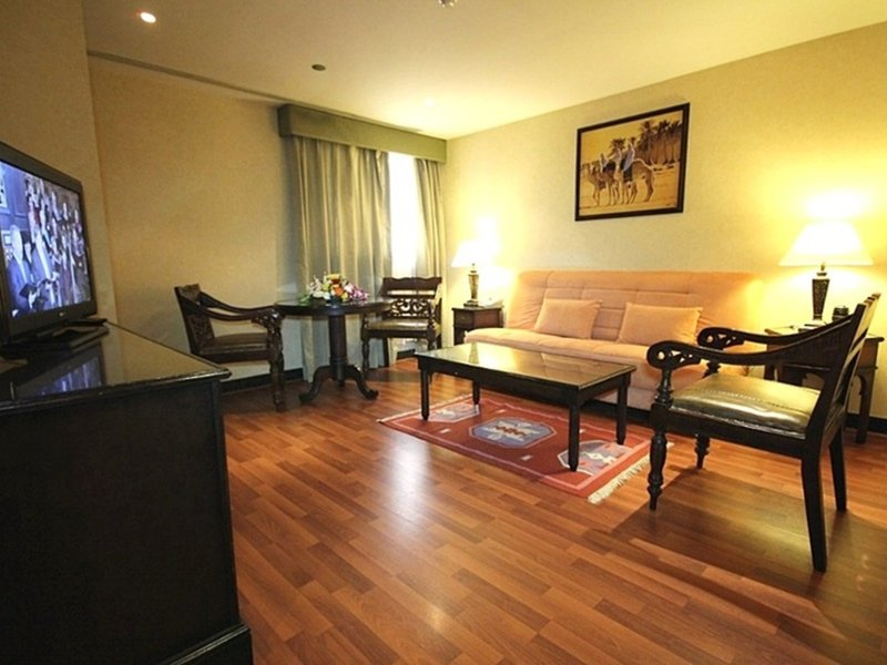 Arabian Courtyard Hotel & Spa 9
