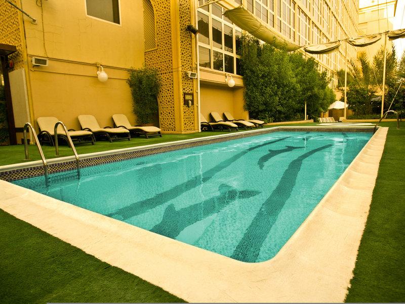 Arabian Courtyard Hotel & Spa 16
