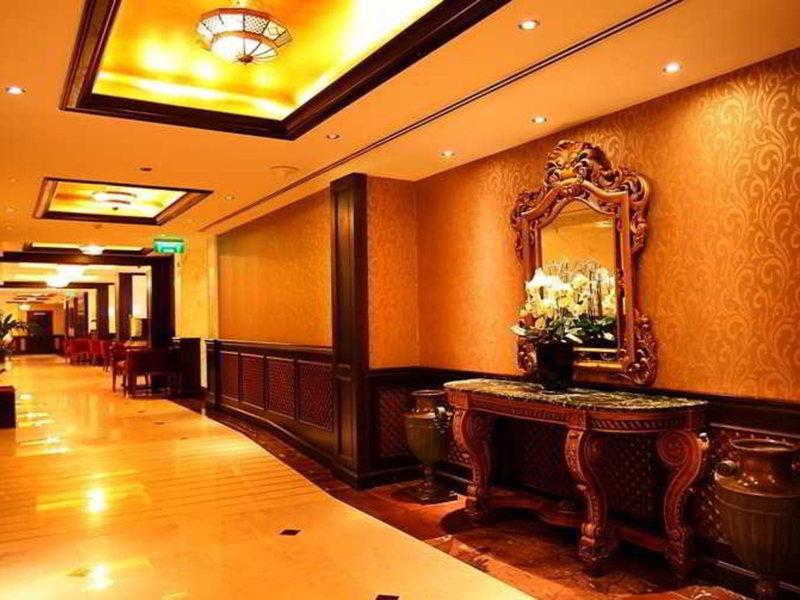 Arabian Courtyard Hotel & Spa 17