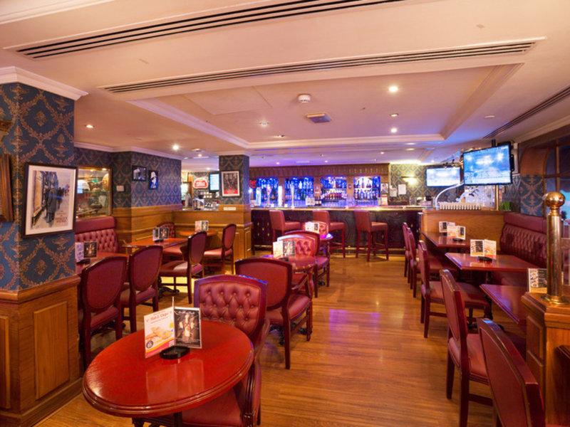 Arabian Courtyard Hotel & Spa 18