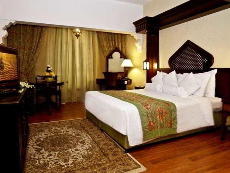 Arabian Courtyard Hotel & Spa 38