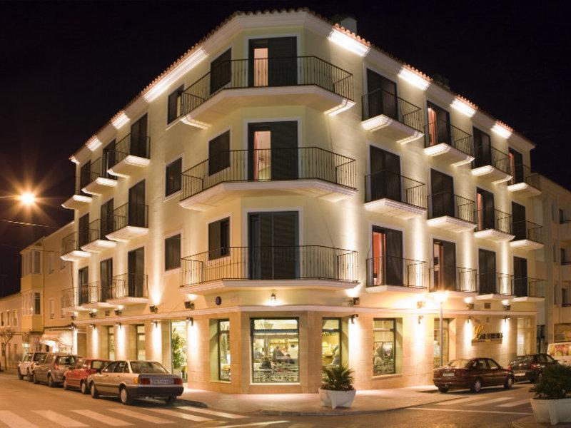 Loar Ferreries Hotel & Apartments