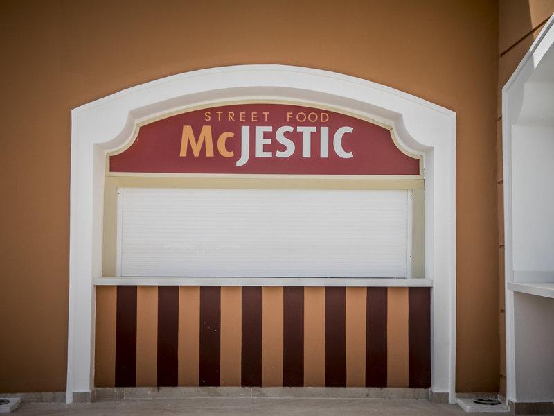 Majestic Colonial Punta Cana Resort - 20 Popup navigation