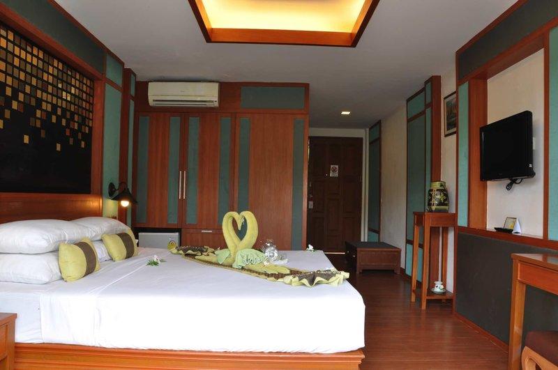 Phi Phi Erawan Palms Resort 2
