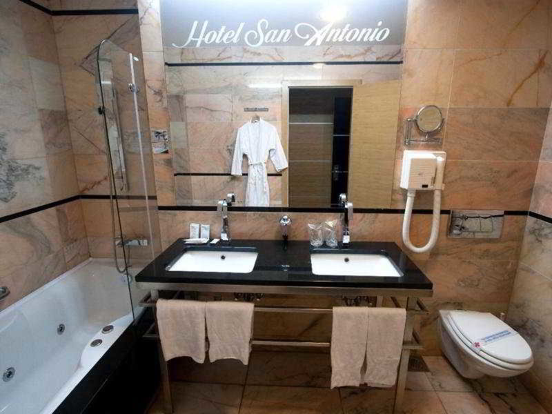 San Antonio Hotel - 27 Popup navigation