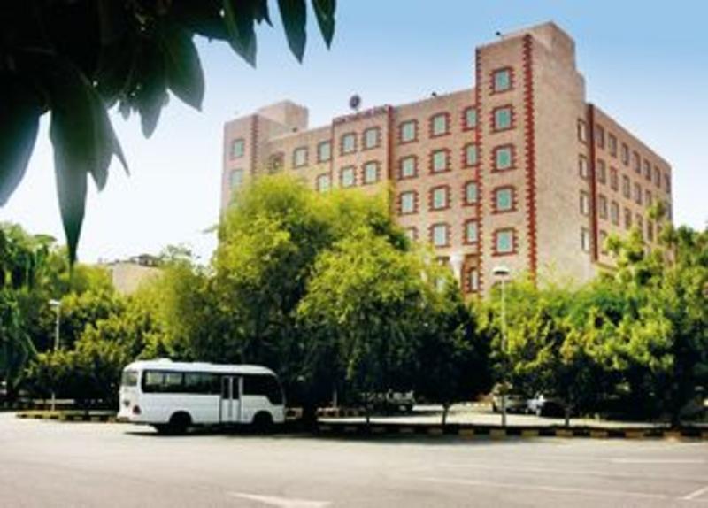 Ramee Guestline Hotel, Qurum