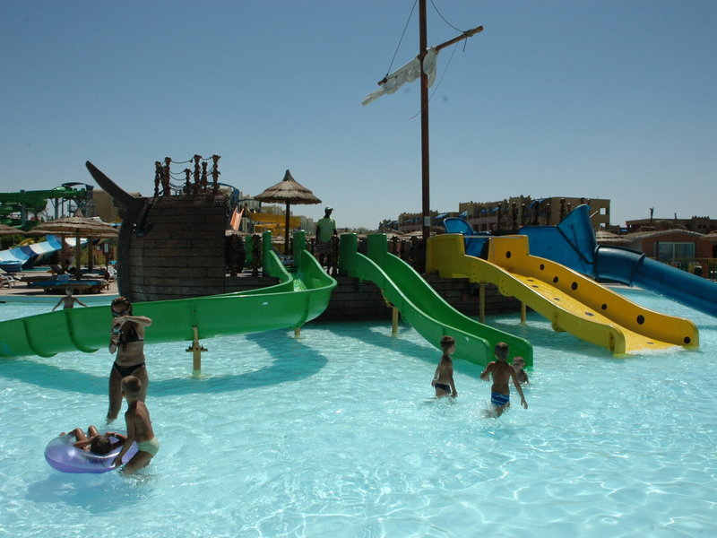 Titanic Beach Spa & Aqua Park 10