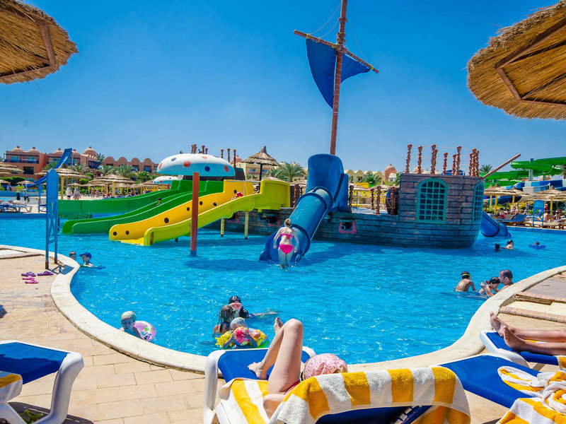 Titanic Beach Spa & Aqua Park 13