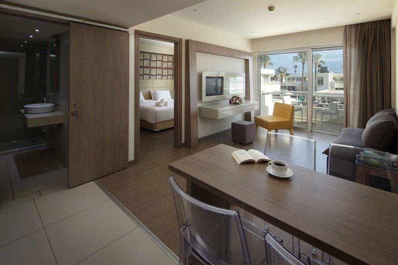 Melpo Antia Luxury Apartments & Suites 7