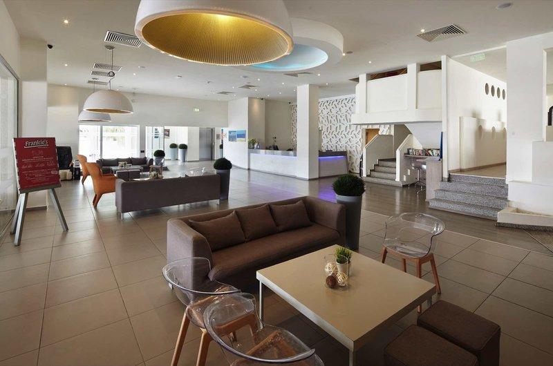Melpo Antia Luxury Apartments & Suites 9