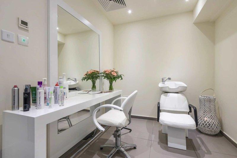 Melpo Antia Luxury Apartments & Suites 11
